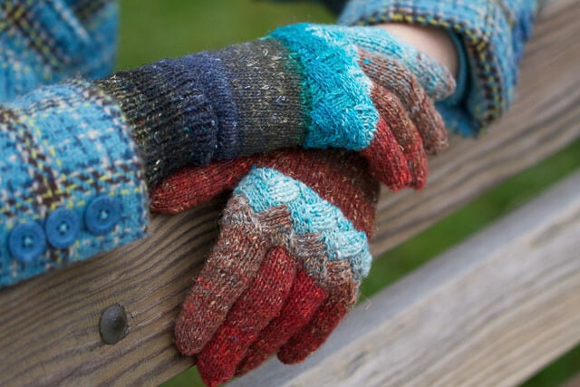 Woven Knuckles, designed by Holli Yeoh
