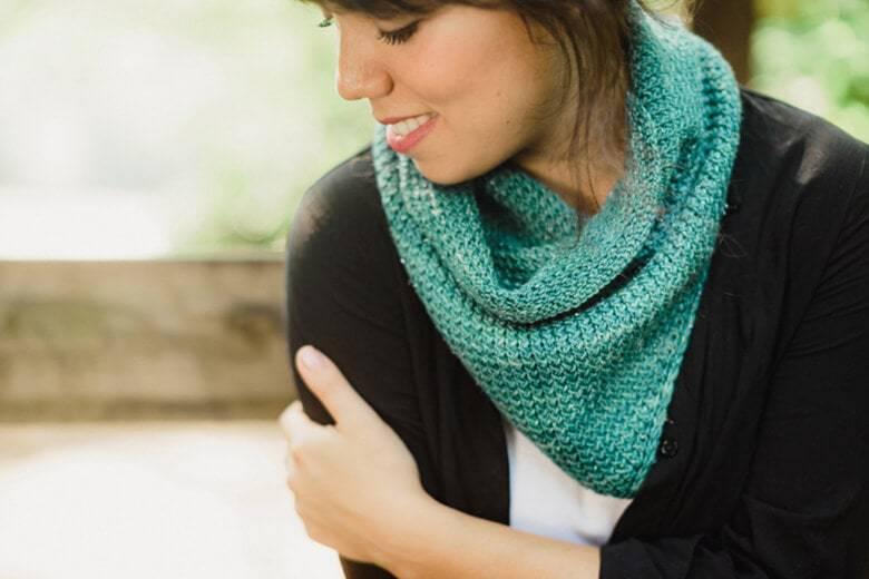 Siesta Cowl Knitting Pattern. SweetGeorgia Yarns,