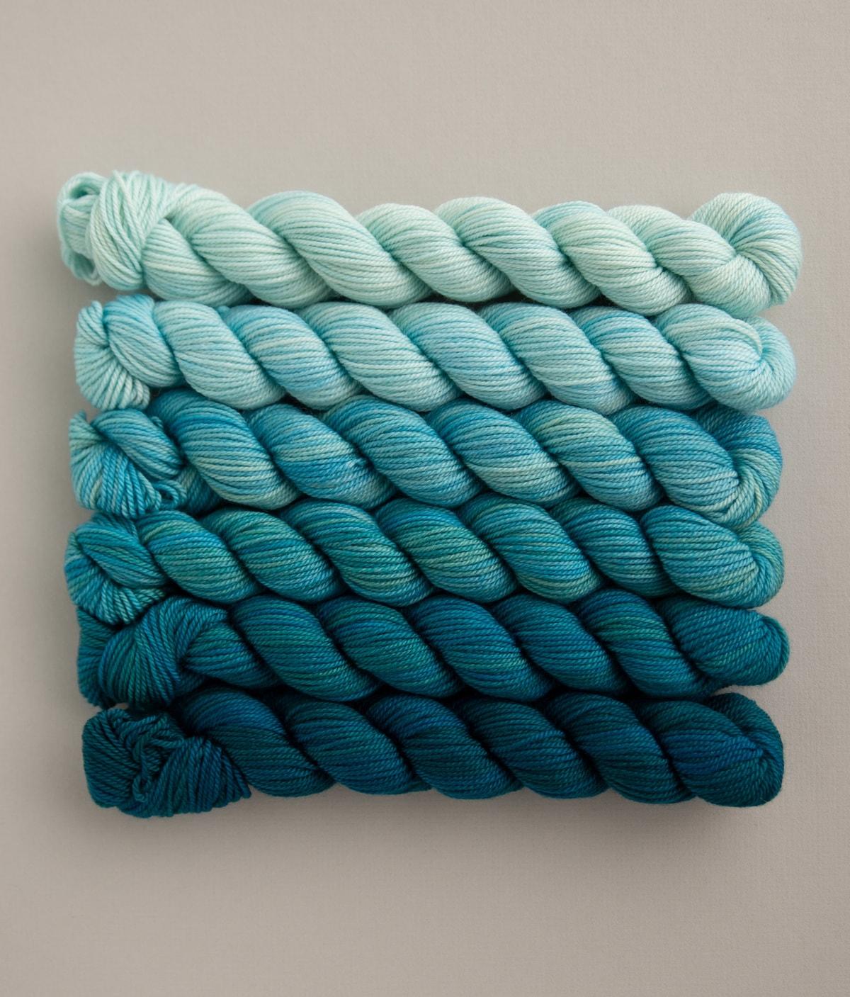 Mini skein Rock Wall Merino and Nylon FingeringSock handpainted yarn Splash